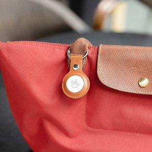 Чохол Switcheasy Wrap коричневий для AirTag