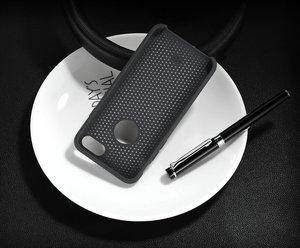 Перфорированный чехол WK Cave чёрный для iPhone 8/7/SE 2020